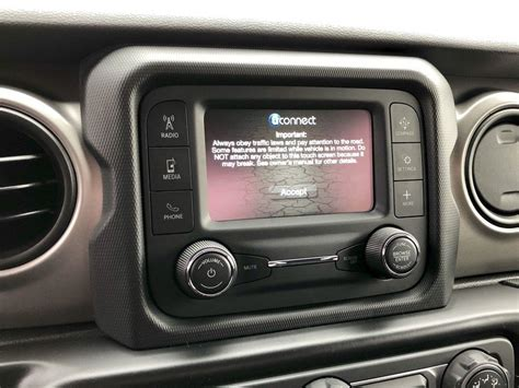 The 2018 Jeep Wrangler's Three Infotainment Systems | Top